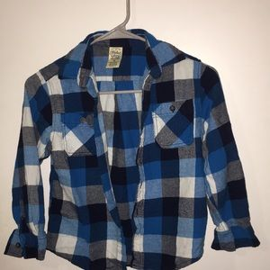 Boys size 8 button down flannel long sleeve shirt